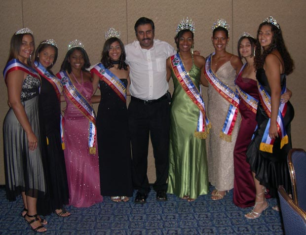 Abbey Muneer with Domican Beauty Queens