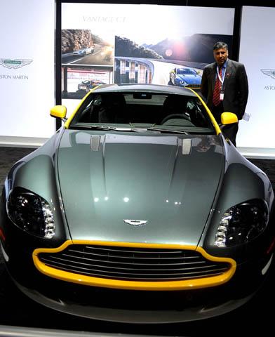 Aston Martin V8 Vantage GT Silver 2