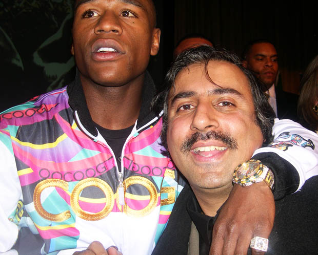 Dr.Abbey with Floyd Mayweather Boxing Great