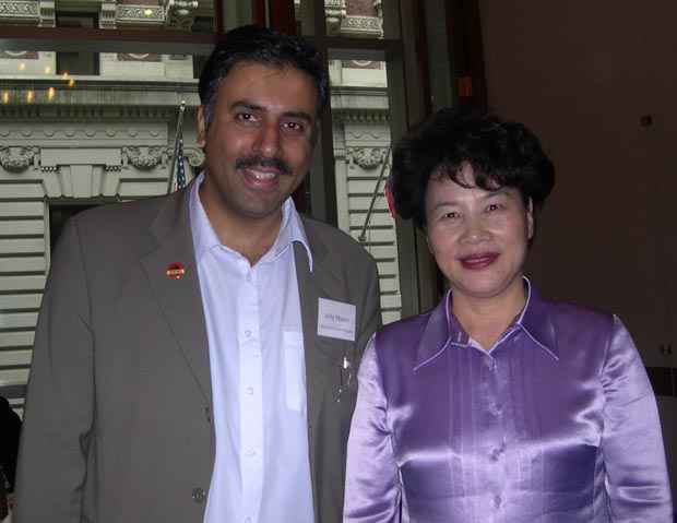 Dr.Abbey with Shan Yu Zhen Mayor of Jiangsu Providence