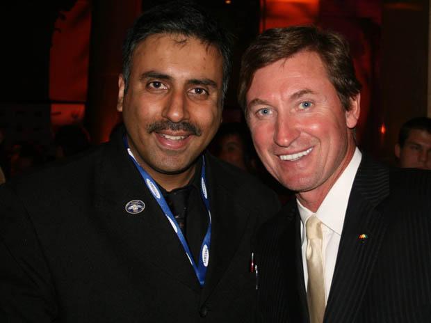 Dr.Abbey with Wayne Gretzky, Hockey Great