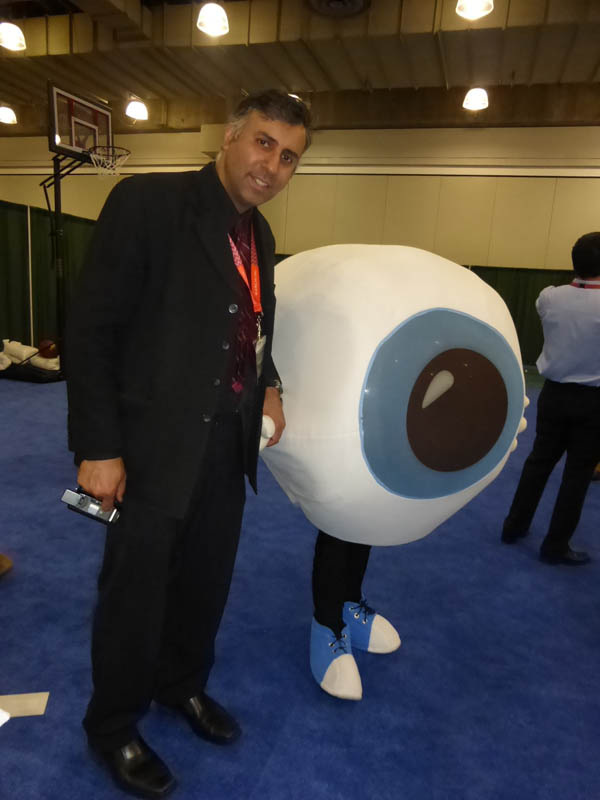 Dr.Abbey with The Eye At The Vision Show 2014