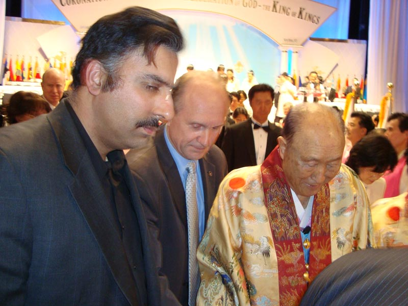 L-R Abbey Muneer with Rev Moon
